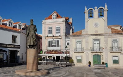 Take the train from Lisbon to Cascais