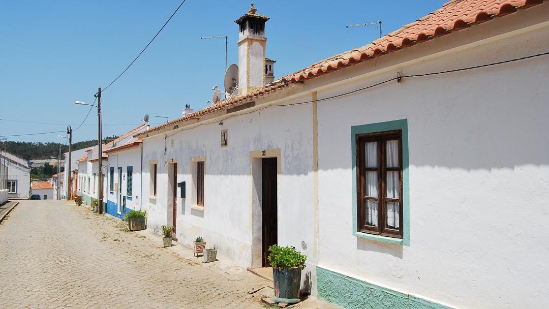 Santa Clara a Velha houses