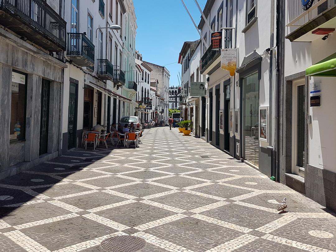 calçada portuguesa Ponta Delgada